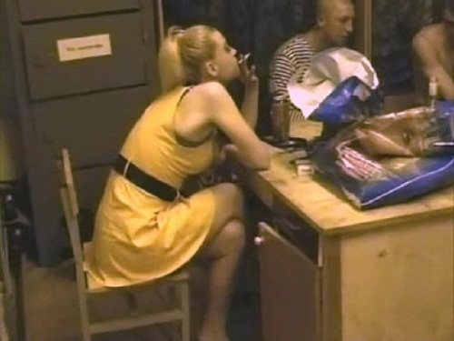 видео проститутка в армии