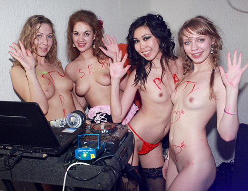 StudentSexParties - Salacious student bash with witches and fairies - ssp8505 (2012/HD/720p/1.53Gb)