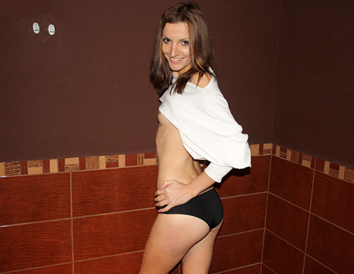 Katarina - PickupFuck - Skinny Girl in Public Toilet Fuck (2011/HD/720p/889Mb)