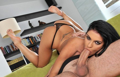Honey Demon - In front of her feet (2010/FootsieBabes.com/21Sextury.com/HD)