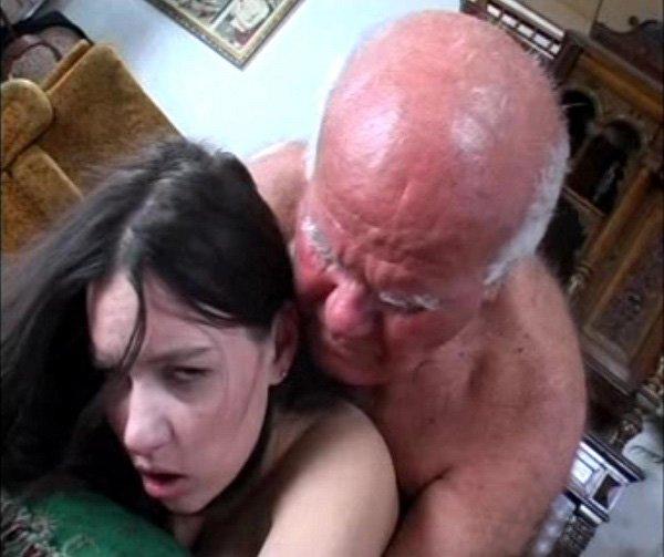 80 летний дедушка трахает молодую девушку.