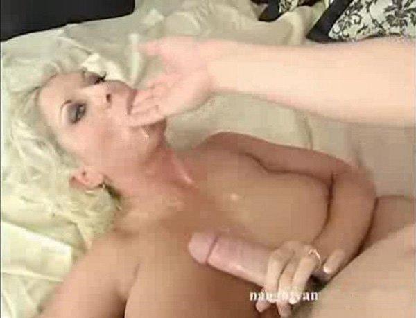 Порно кончил маме в рот смотреть онлайн