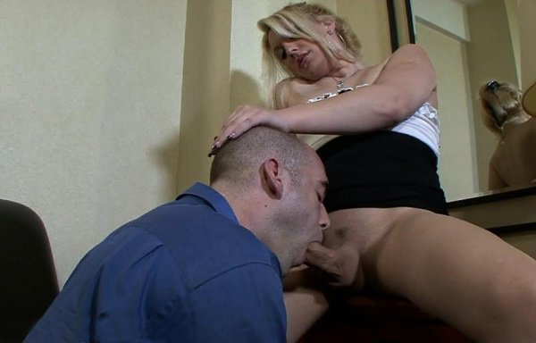 Chrissy Snow - Shemale Club - hardcore with a pussy bitch (2013/HD)