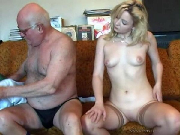 porno-domashnee-stariy-muzhik