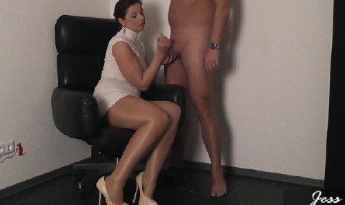 seks-video-lizhet-muzhchina