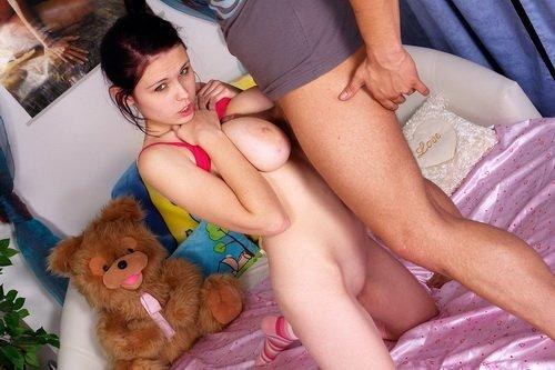 секс соблазнила отчима фото
