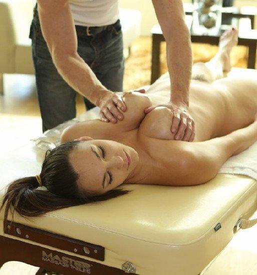 Красотка на массаже порно видео смотреть онлайн фото 428-234