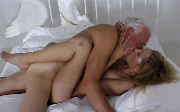 секс девушка и дедушка фото
