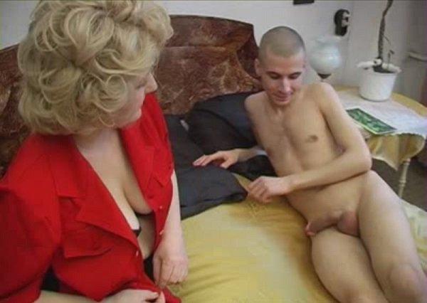 большой хуй сына вошел в мать порно видмо