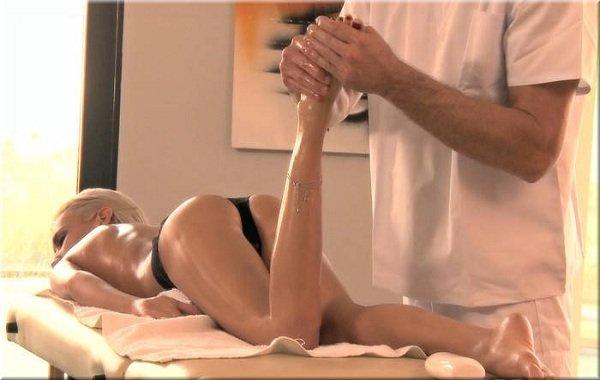 русская девушка на массаже фото