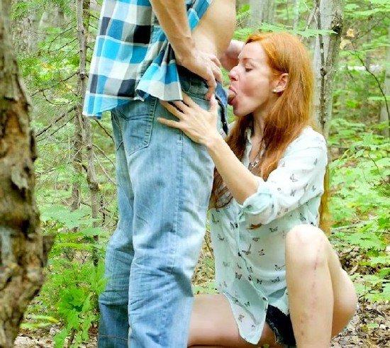 жена делает минет незнакомцу порно