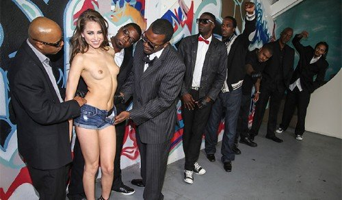 Riley Reid - The fragile girl and a crowd of crazy blacks (2013/HD)