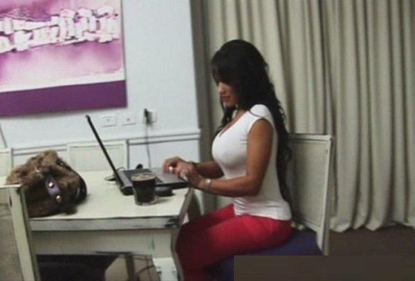 порно видео большегрудая дама вызвала сантехника